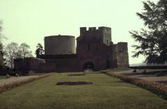 Restes du château -  Eure Gisors Chateau Cour Prisonnier