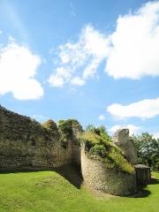 Château -  Chatelet d'entrée (XIII° S.) du château d'Ivry la Bataille (Eure, 27, France)