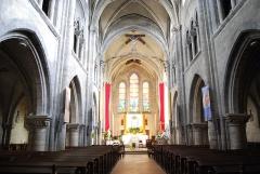 Eglise Saint-Aubin - Français:   La nef