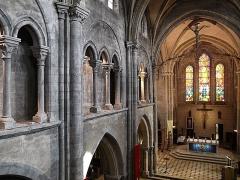 Eglise Saint-Aubin - Français:   L\'intérieur de l\'église Saint-Aubin de Pacy sur Eure (Eure), vu depuis la tribune de l\'orgue