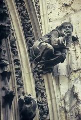 Eglise Notre-Dame-des-Arts -  Un moine dérangé