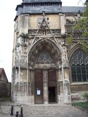 Eglise Notre-Dame-des-Arts - Français:   Portail sur la façade sud