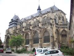 Eglise Notre-Dame-des-Arts - Français:   Vue depuis le centre-ville