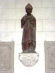 Eglise - English: Serquigny (Eure, Fr) Église Notre-Dame, statue d'un évêque