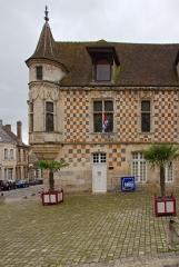 Maison de la Renaissance, dite Maison à tourelle -  Bibliothèque municipale Jérôme-Carcopino de Verneuil-sur-Avre