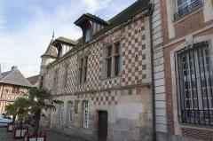 Maison de la Renaissance, dite Maison à tourelle -  Rue de la Madeleine à Verneuil-sur-Avre // Verneuil-sur-Avre - Eure - France