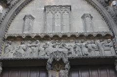 Eglise Notre-Dame, actuellement collégiale - Español: Vernon. Notre-Dame.. Tímpano de la portada principal. Relieves de F. Taluet. 1860.