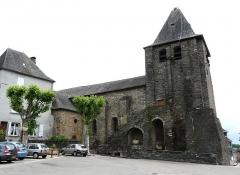 Eglise de la Décollation de Saint-Jean-Baptiste -  Église Saint Jean Baptiste à Allassac