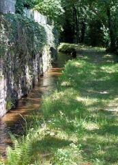 Ancienne abbaye Saint-Etienne - Abbaye d'Aubazine - Canal des moines