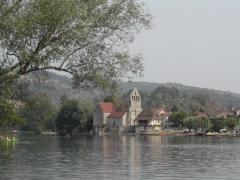 Eglise Notre-Dame ou des Pénitents - English: Beaulieu-Sur-Dordogne and Dordogne view from Altillac