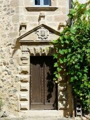 Maison Clare - Français:   La porte de la tour d\'escalier, maison Clare, rue Patata, Beaulieu-sur-Dordogne, Corrèze, France.