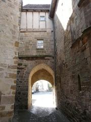 Porte dite de La Tour - Français:   Vue intérieure de la porte Sainte-Catherine, Beaulieu-sur-Dordogne, Corrèze, France.