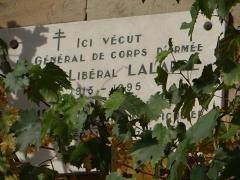 Maison - Français:   Brive-la-Gaillarde - Maison Lalande - Façade sur la rue de Corrèze - Plaque commérative