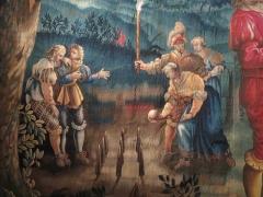 Ancien séminaire - Détail du jeu de quilles, à gauche de la tapisserie «Fête de nuit». Manufacture de Mortlake, 1645-1646. Conservation au musée Labenche de Brive.