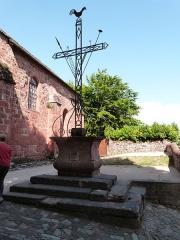 Croix de la Passion - Français:   Croix de la Passion située sur la place du Prieuré