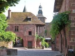 Maison du 16e siècle dite «maison de la Sirène» - Français:   La maison de la Sirène vue depuis la rue de la Barrière