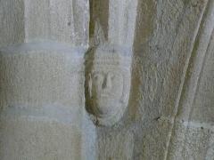 Eglise Saint-Cyr-Sainte-Julitte - Français:   Cul-de-lampe dans l\'église Saint-Cyr-Sainte-Julitte, Saint-Cirgues-la-Loutre, Corrèze, France.