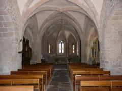 Eglise Saint-Cyr-Sainte-Julitte - Français:   La nef de l\'église Saint-Cyr-Sainte-Julitte, Saint-Cirgues-la-Loutre, Corrèze, France.