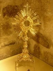 Eglise Saint-Cyr-Sainte-Julitte - Français:   Ostensoir du XIXe siècle en cuivre doré, église Saint-Cyr-Sainte-Julitte, Saint-Cirgues-la-Loutre, Corrèze, France.