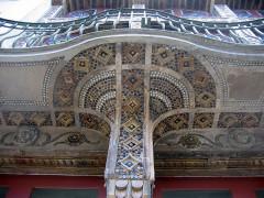 Théâtre municipal L'Eden - English: Tulle theatre - mosaic under external balcony