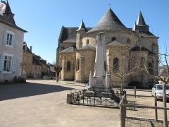Eglise Saint-Pierre - L'église abbatiale Saint-Pierre de Vigeois, Corrèze, France