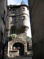 Maison Corneille ou du Vieux Tapissier, actuellement Musée des Arts et Traditions populaires -  Aubusson