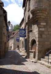 Maison Corneille ou du Vieux Tapissier, actuellement Musée des Arts et Traditions populaires - Deutsch: Abusson: La Maison du Tapissier
