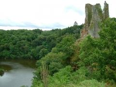 Château de Crozant - English: Crozant castle 2