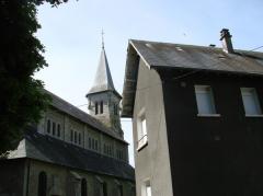 Ancienne église -  Flanc nord de l'église de Dun-le-Palestel (23).