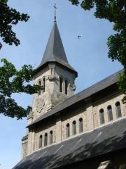 Ancienne église -  Clocher et flanc sud de l'église de Dun-le-Palestel (23).