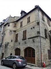 Immeuble - Français:   L\'immeuble 19 Grande-Rue, Felletin, Creuse, France.