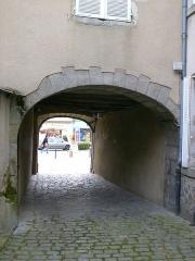 Ancien Présidial -  Guéret - Porche d'accès de l'Ancienne Mairie à la Place du Marché