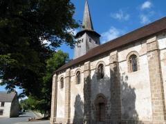 Eglise de la Nativité de la Vierge -  Nouziers (Creuse, France) -  La façade Sud de l'église.  .   .
