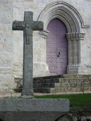 Eglise Saint-Thomas de Cantorbéry -  Puy Malsignat (croix église) 775