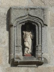 Eglise Saint-Martin - Français:   Niche du chevet de l\'église, Vallère, Creuse, France.