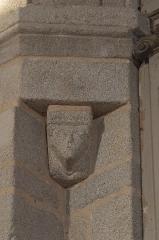 Eglise de l'Ordination de Saint-Martin - Deutsch: Katholische Kirche Saint-Martin-de-Tours in Eyjeauxim Département Haute-Vienne (Nouvelle-Aquitaine/Frankreich), Konsole