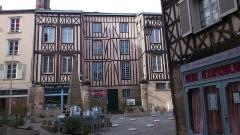 Fontaine des Barres - English: Place Fontaine des Barres in Castle district, Limoges
