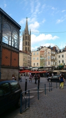 Halles centrales - English: Limoges: Central market and Saint-Michel-des-Lions church