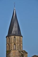 Eglise Saint-Julien - Français:   Le clocher tors de l\'église de Rochechouart (Haute-Vienne, France)