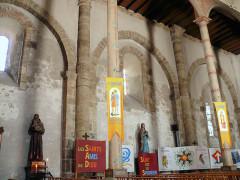 Eglise Saint-Julien - Français:   Rochechouart - Eglise Saint-Sauveur - Mur nord
