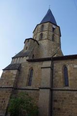 Eglise Saint-Julien - Français:   église de Rochechouart.