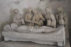 Eglise Saint-Gentien - Deutsch: Katholische Kirche Saint-Gentien in Saint-Gence im Département Haute-Vienne (Nouvelle-Aquitaine/Frankreich), Grablegungsgruppe aus dem späten 15. Jahrhundert