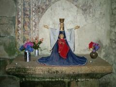 Eglise de Saint-Pierre-la-Montagne - Français:   Saint-Léger-la-Montagne (Haute-Vienne) - Autel sud de l\'église de Saint Pierre la Montagne. La Vierge à l\'enfant.