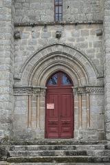 Eglise Saint-Sulpice - Deutsch:   Katholische Kirche Saint-Sulpice in Saint-Sulpice-Laurière im Département Haute-Vienne (Nouvelle-Aquitaine/Frankreich), Portal