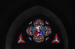 Eglise Saint-Sylvestre - Deutsch: Katholische Kirche Saint-Sylvestre in Saint-Sylvestre im Département Haute-Vienne (Nouvelle-Aquitaine/Frankreich), Bleiglasfenster; Darstellung: