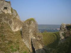 Ruines du château -  ancien pont-levis Sud
