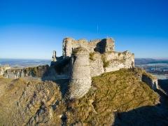 Ruines du château - English: Château d'Arques-la-Bataille from South, background: village Arques-la-Bataille