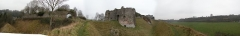 Ruines du château - English: Panorama photo of Château d'Arques-la-Bataille and surroundings, made using Hugin