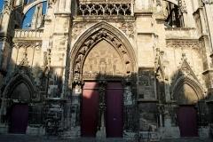 Eglise Saint-Jacques - English: Dieppe - Place Saint-Jacques - View East on Église Saint-Jacques