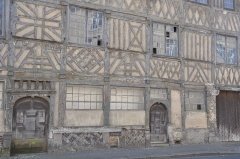 Maisons - English:   facad (part of) of historic old house in Dieppe (France, Normandy)